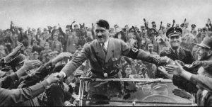Adolf Hitler saudado durante o período de ascensão nazista na alemanha