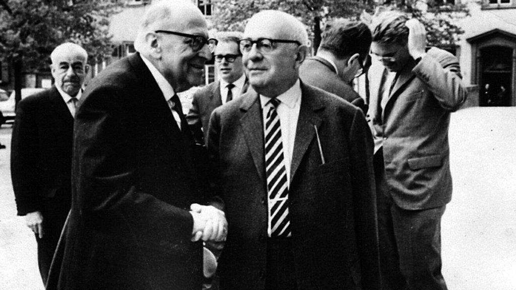 Adorno e Horkheimer, criadores do termo Indústria Cultural