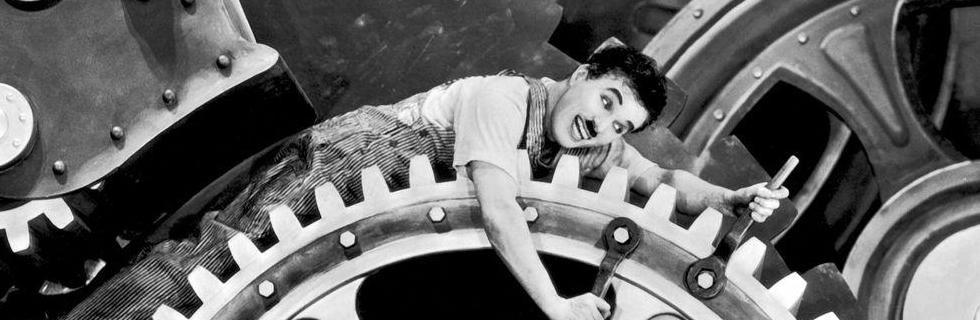Tempos Modernosé uma obra cinematográfica de 1936 idealizada por Charles Chaplin, que retrata um pouco da visão de Walter Benjamim