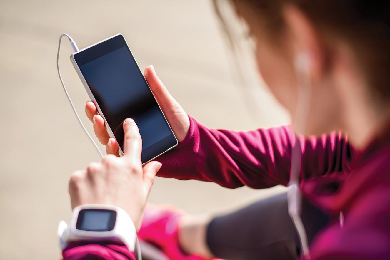 As mídias digitais podem tanto nos ajudar quanto nos atrapalhar no momento de realizar uma atividade física.