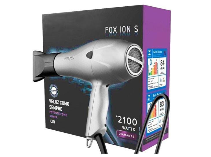 Secador de cabelo, com potência elétrica de 2100W.